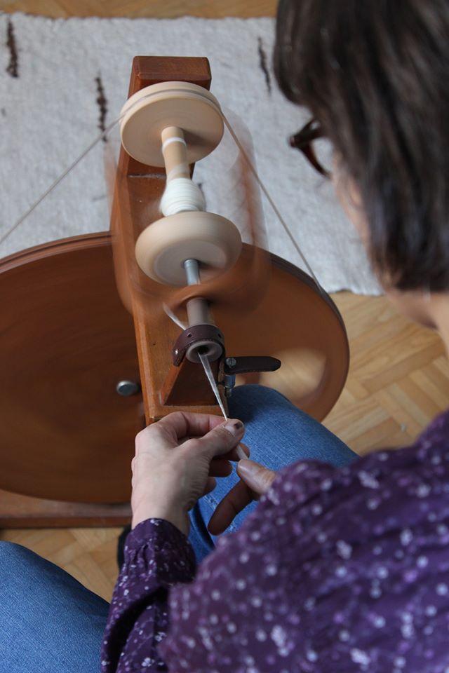 Spinnen am Spinnrad für AnfängerInnen I Faser und Farbe @ Biohof Seufferlein, Julbach